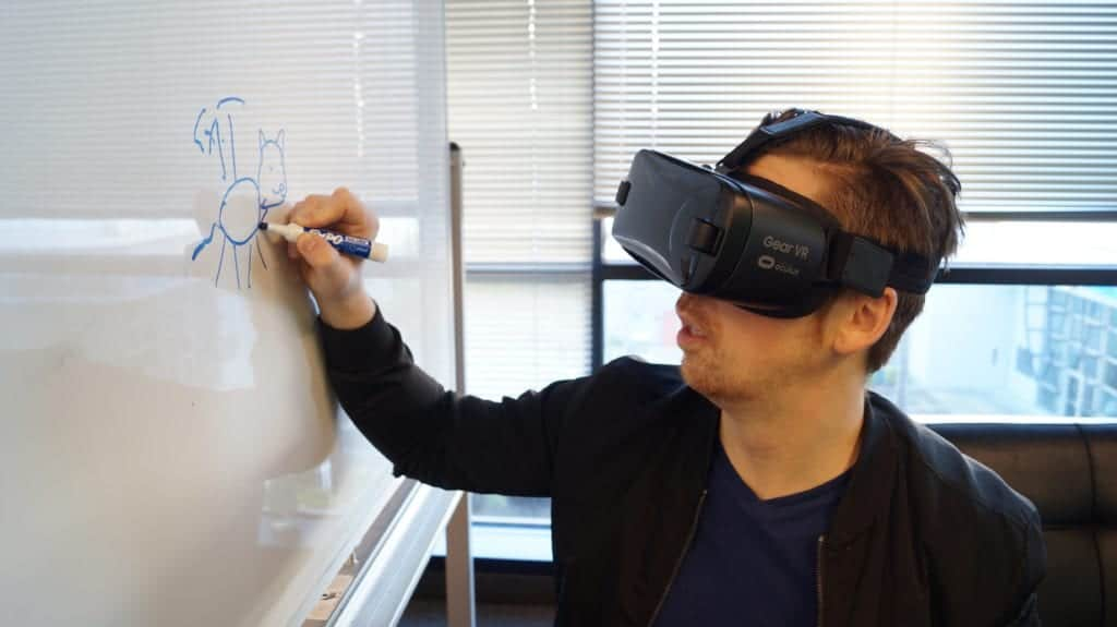 Ultimate Guide To Understanding Mixed Reality Technology